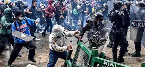 Colômbia: Guerrilha e terrorismo transferem-se para as cidades, de acordo com um plano que a curto prazo vai servir para a sublevação de toda a América do Sul