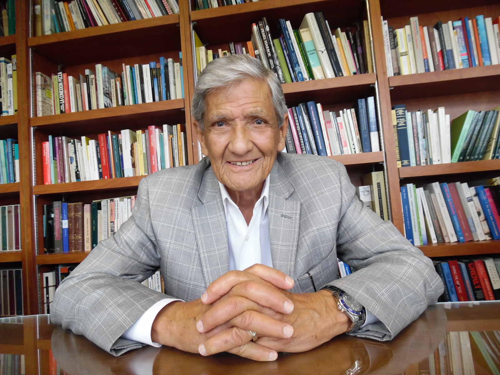 «Os campos de trabalhos forçados foram um verdadeiro inferno», narra o Embaixador Armando Valladares na sua entrevista exclusiva ao Portal Dies Irae (2/3)